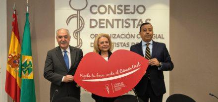 De Izq. A Dcha. El Dr. Seoane, Mayra Gómez Kemp Y El Dr. Castro  2