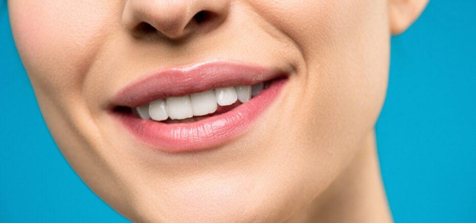 El Consejo General De Dentistas Denuncia Ante La AEMPS La Venta Al Público De Un Kit De Blanqueamiento Dental Por El Riesgo Que Conlleva Si No Lo Aplica Un Odontólogo